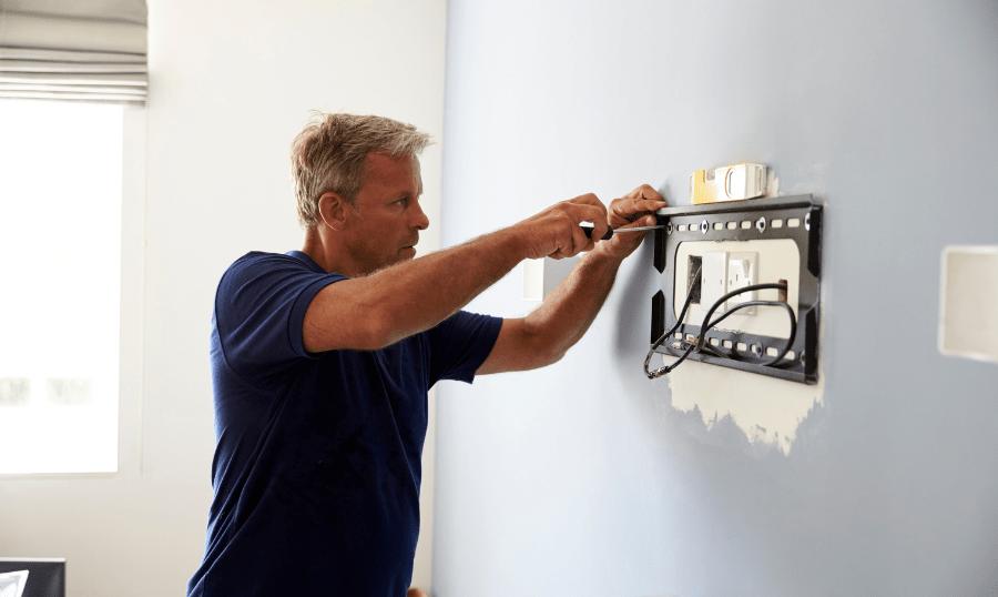 Hoe een tv beugel op te hangen